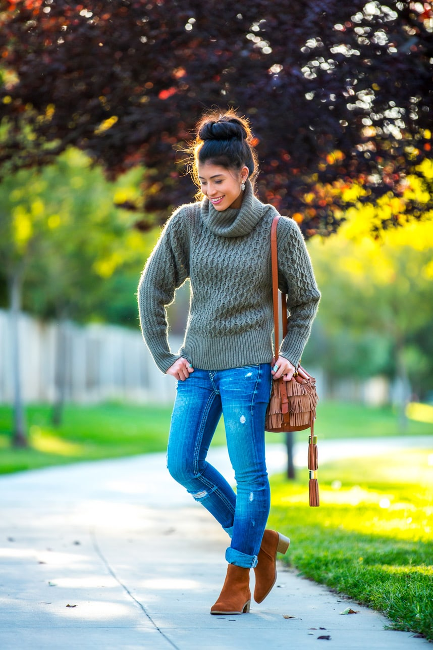 cute fall outfit - Loving this cute fall outfit! The boots and the sweater are my favorite, great outfit inspiration for fall!