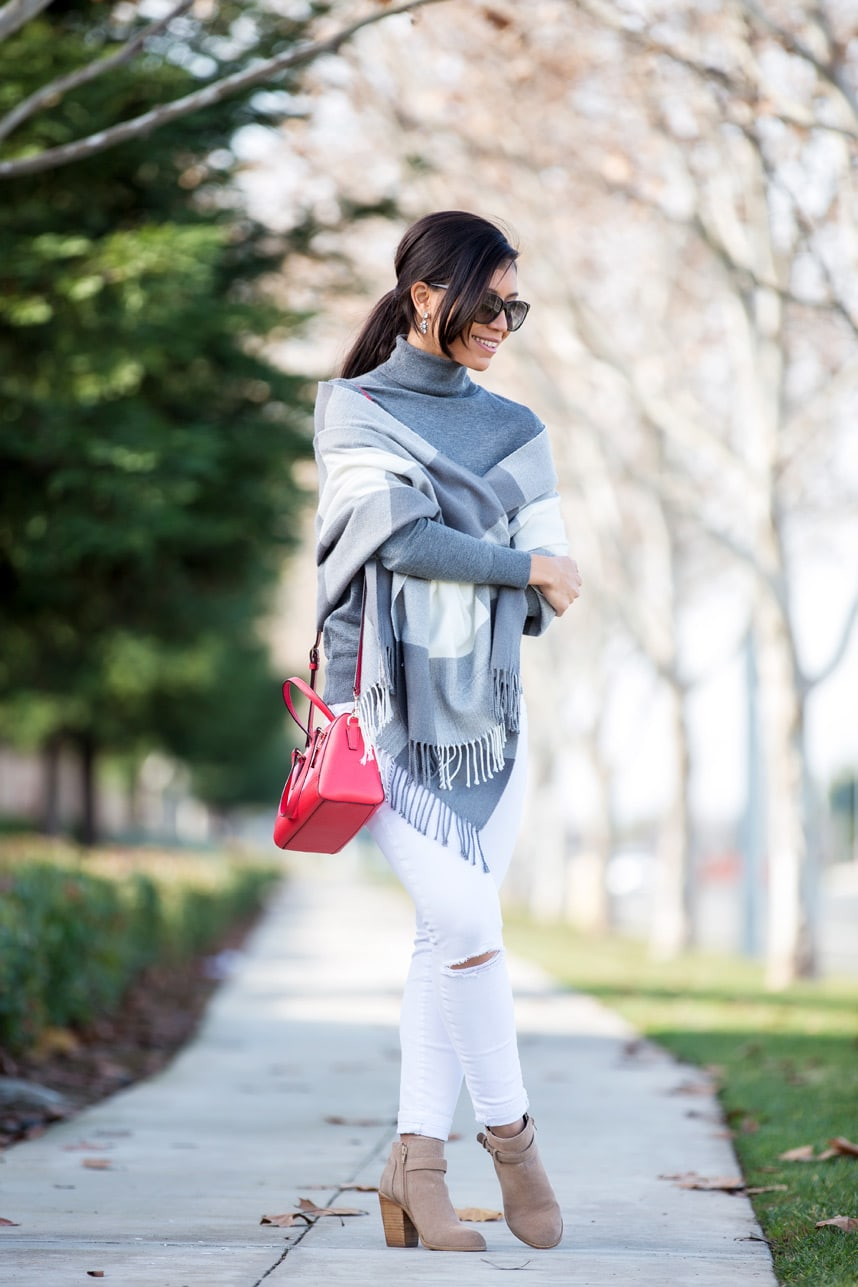 what to wear with white jeans - Visit Stylishlyme.com to read some style tips on how to wear white jeans in the winter