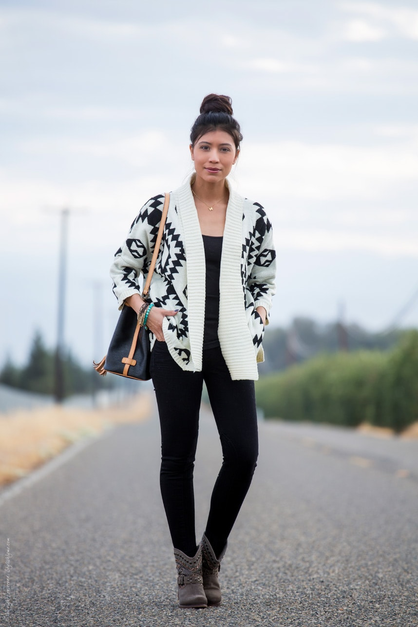 Oversized cardigan fall outfit - Visit Stylishlyme.com for more outfit inspiration and style tips